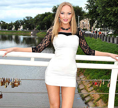 <h1>Hot Russian Brides: Finding It Cheap</h1>